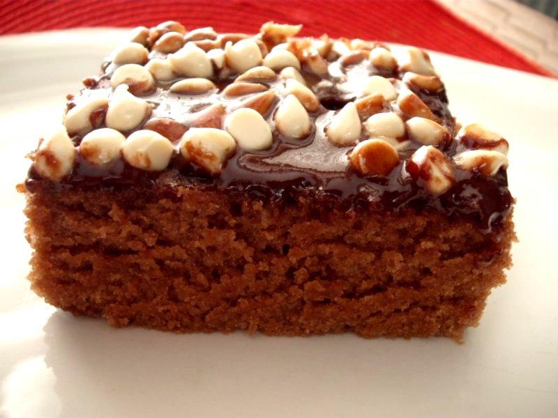 1 1 800x600 - עוגת שוקולד ענקית שכל ילד חולם עליה