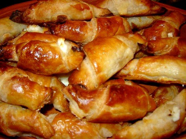 שבועות מיה - מיני סהרוני מלוואח במלית גבינות
