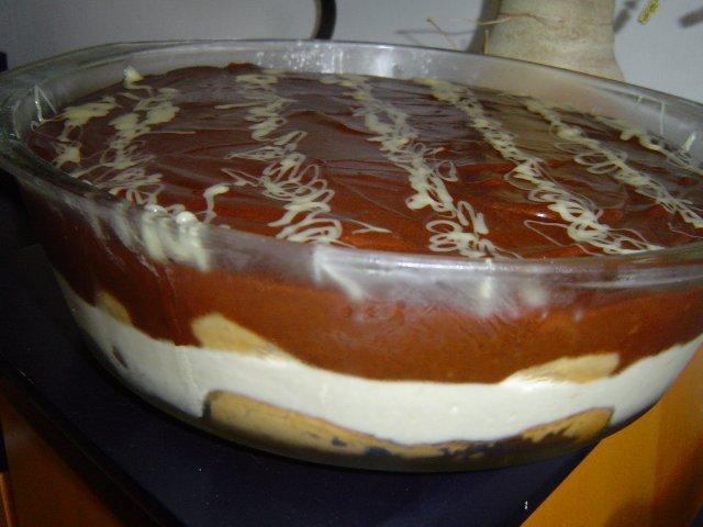 d7a9d797d795d7a8 d79cd791d79f2 - עוגת וניל קרה בפירורי שוקולד בציפוי שוקולד