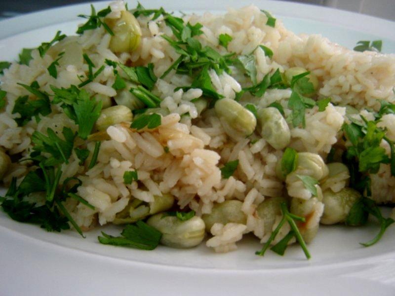 פול ועשבי תיבול - אורז עם פול ירוק