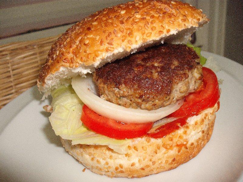 .jpg - המבורגר ולחמניות תוצרי בית של פירגה