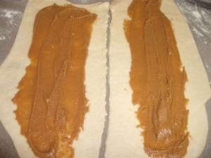 d7a9d79ed7a8d799d79d d792d795d79cd79912 300x225 - עוגת שמרים של גולי