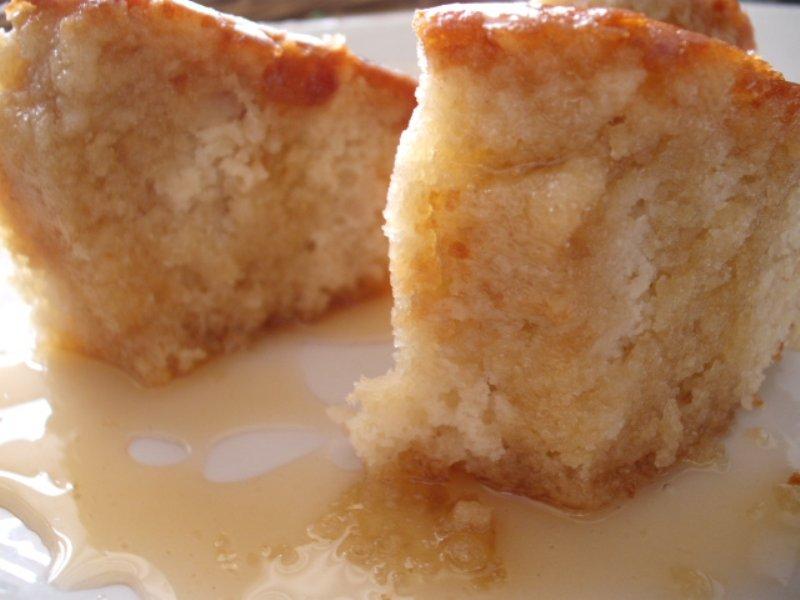 d7a8d795d798d791 d793d791d7a91 800x600 1 - עוגת יוגורט ברוטב דבש