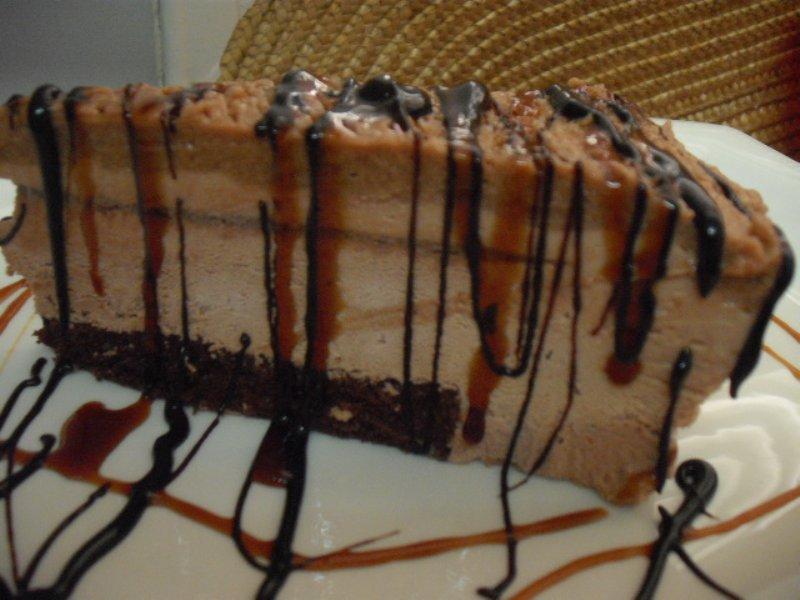 dscf5143 800x600 - עוגת מוס קשיו שוקולד וקרם קרמל