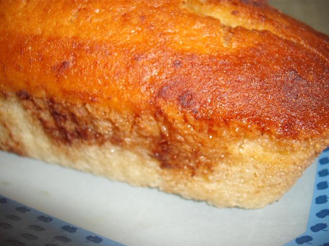 dscf5674 1 - עוגת מיץ תפוחים ברוטב קינמון ודבש