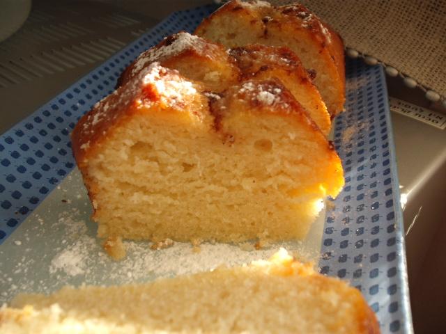 dscf5682 1 - עוגת מיץ תפוחים ברוטב קינמון ודבש
