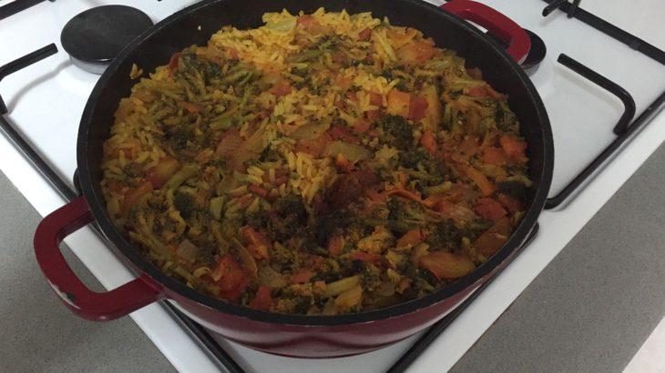 IMG 20171022 WA0004 730x410 - אורז עם ברוקולי בצל ועגבניות