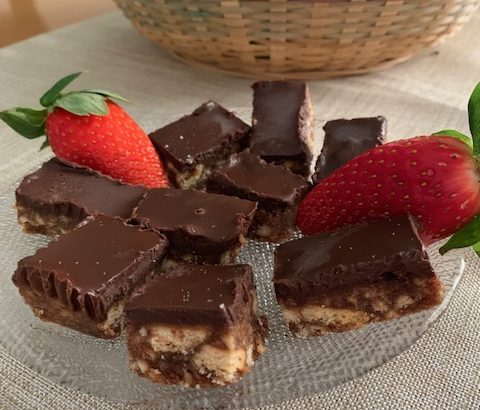 cid 1C6EE4EA 5CE0 4FA9 AE6E 40075EAA187D 480x410 - ממתק תמרים ושוקולד