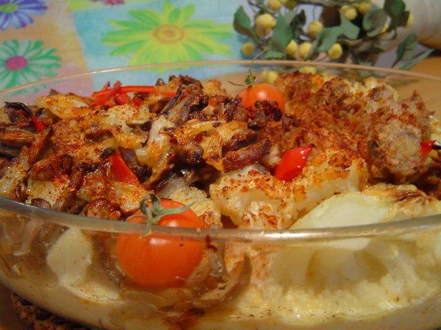 טונהה - מאפה כרובית חלבי עם פטריות וטונה
