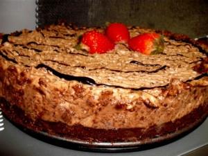 dscf7065 300x225 1 - עוגת שוקולד ממולאת במוס שוקולד