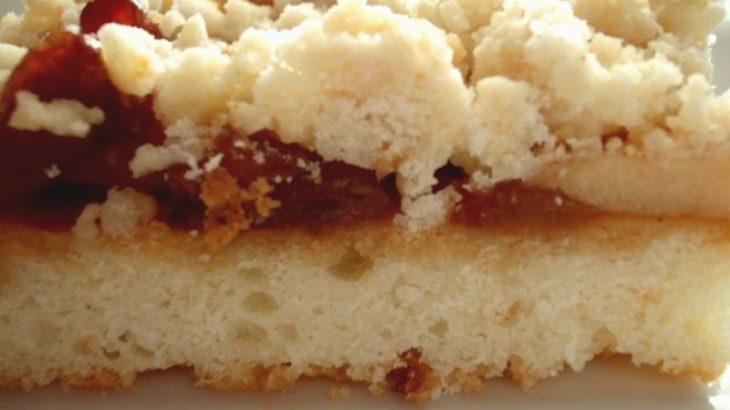 פירורים בפירות1 800x600 730x410 - עוגת גבינה עם פירורים