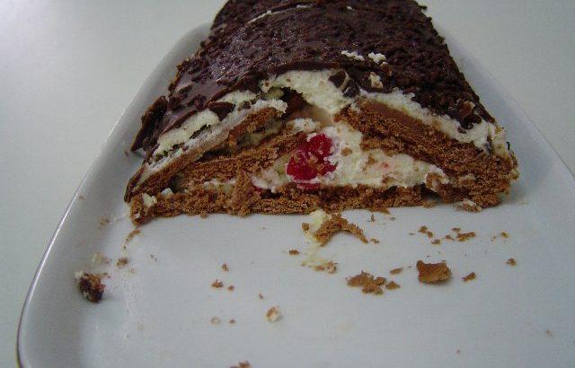 בסקויטים 3 640x410 - עוגת ביסקוויטים משולשת נוסטלגית