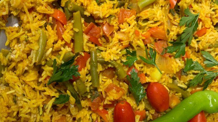 וירקות בסיר אחד 730x410 - אורז וירקות צבעוני בשלל צבעים וטעמים